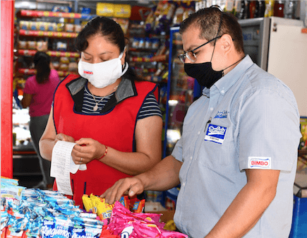 Inicia Grupo Bimbo Apoyo a Tenderos, Entrega 1 Millón de Cubrebocas